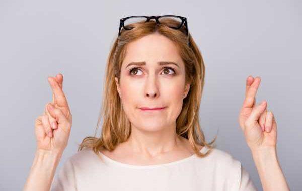 Психозы и неврозы: разница в симптомах, как отличить